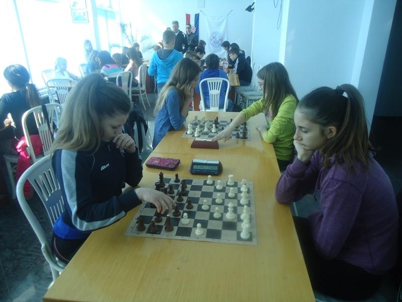 šah 3