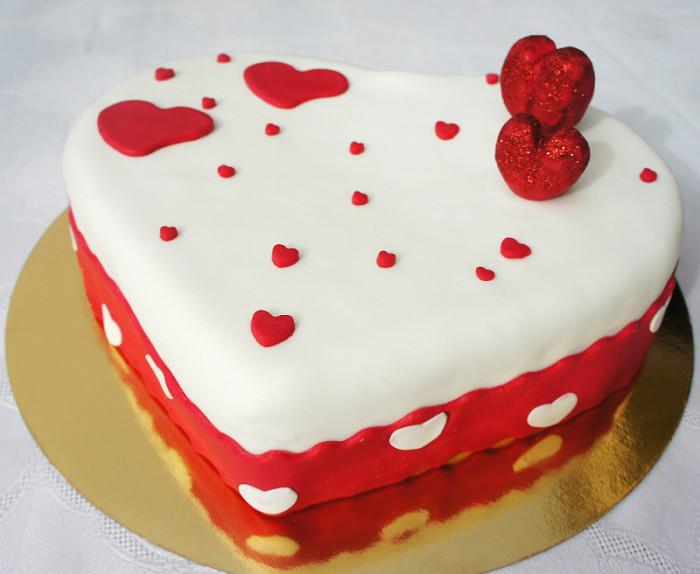 Valentinovo: torta za zaljubljene