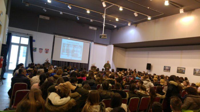 Terenska nastava osmaša u Vukovar
