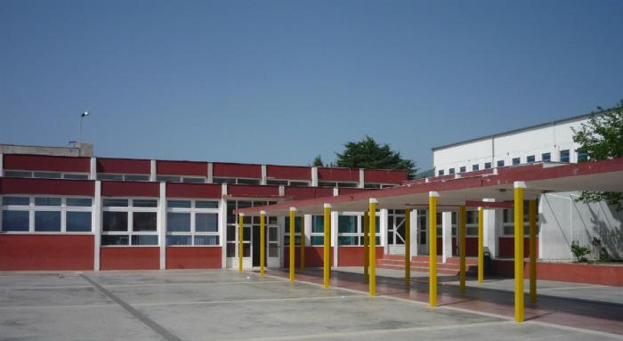 Našu školu pohađa 737 učenika