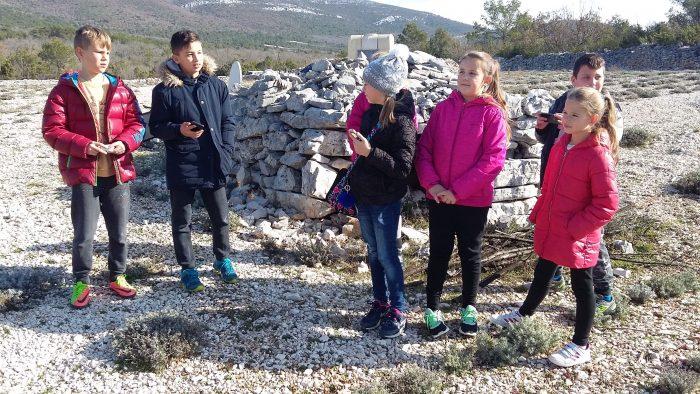 Posjet imanju Plazonić u Blizni Gornjoj – nastava u prirodi